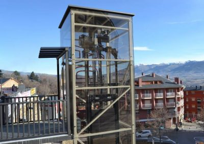 Ascensor elèctric a Puigcerdà - Pl d'en Calva