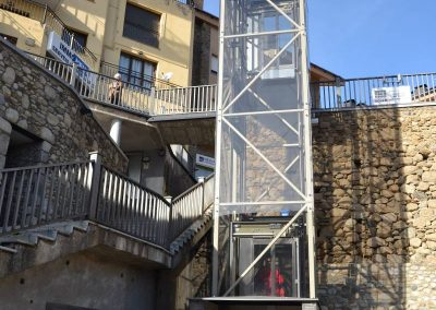 Vista complerta d'ascensor panoràmic