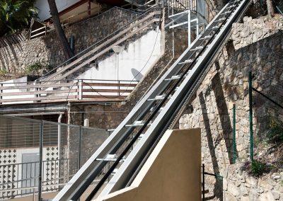 Ascensor inclinat de 90 metres de recorregut