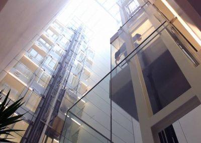 Instal·lació d'ascensor Hotel Mirror
