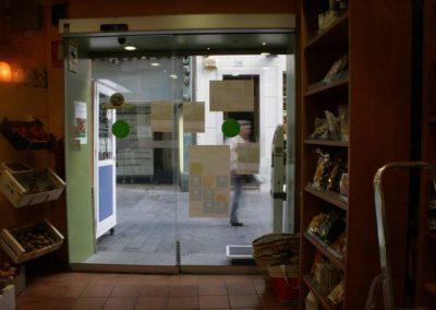 Instal·lació de Porta automàtica realitzada en Dietètica Colomer