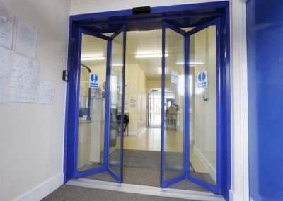 Instal·lació de porta automàtica en Vilanova i la Geltru