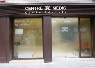 Instal·lació de porta automàtica realitzada a Centre Medic Castelldefels