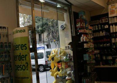 Instal·lació de porta automàtica realitzada en Farmàcia Massó