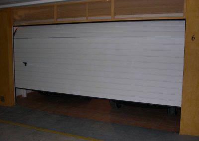 Instal·lació de porta seccional Hospitalet de Llobregat