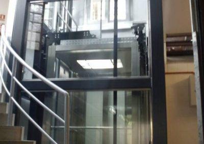 Lateral ascensor Estació de Rodalies