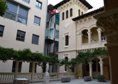 Barcelona  Convento-Iglesia-Claustro-Apartamentos