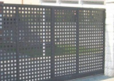 Porta batent instal·lat per Ascensors Soler