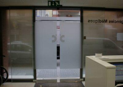 Porta d'accés Centre Mèdic Castelldefels