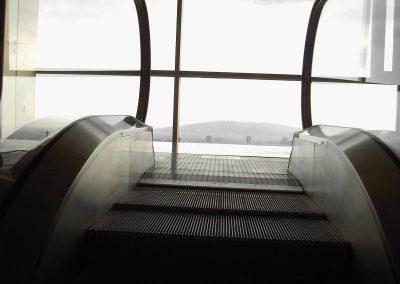 Vista escala mecànica instal lada per Ascensors Soler
