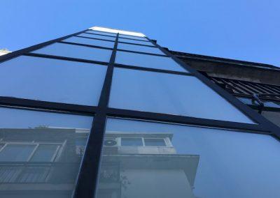 Sitges, instalación de un ascensor eléctrico sin cuarto de maquinaria