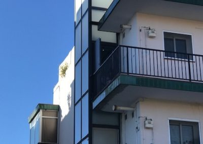 instal·lació d'un ascensor electric sense cambra de maquinaria a Sitges